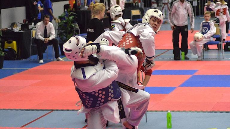 Mikael Ohlsson under en Taekwondo-match. Foto: Isak Olsson