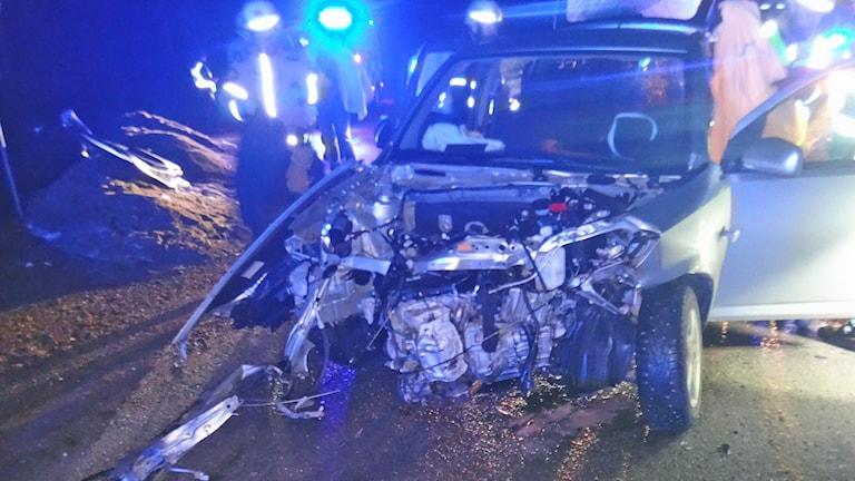 En krockskadad bil. Foto: Bergslagens Räddningstjänst