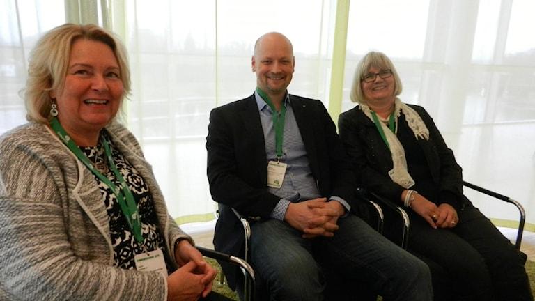 Jane Larsson, Daniel Bäckström och Anna -Karin Berglund Centerpartiet i Värmland. Foto Roy Malmborg Sveriges Radio