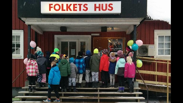 Fullt hus när Folkets hus i Högboda anordnade bio.