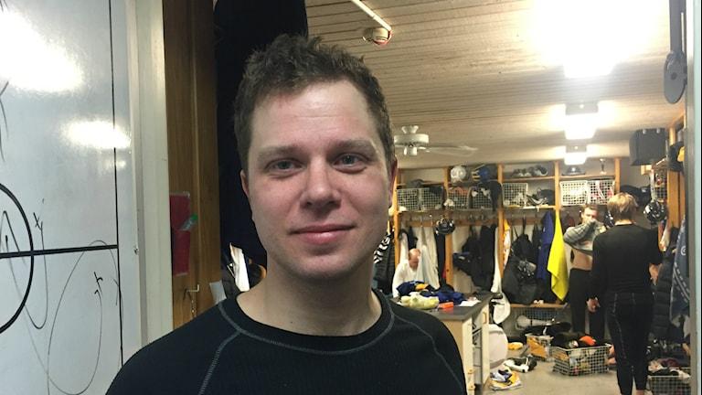 Joakim Larsson målskytt i förlustmatchen mot Ljusdal med 2-3. Foto: Daniel Viklund/Sveriges Radio.