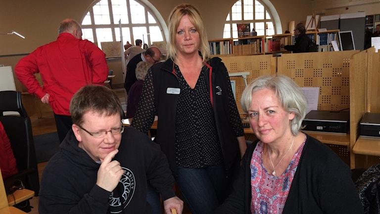Tre deltagare på släktforskningens dag.