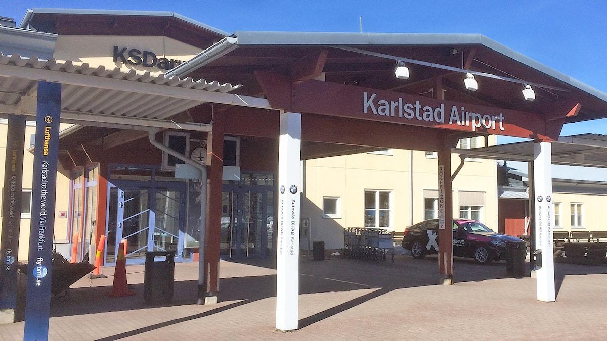 Entrén till flygplatsen i Karlstad. Foto: Magnus Hermansson/Sveriges Radio.