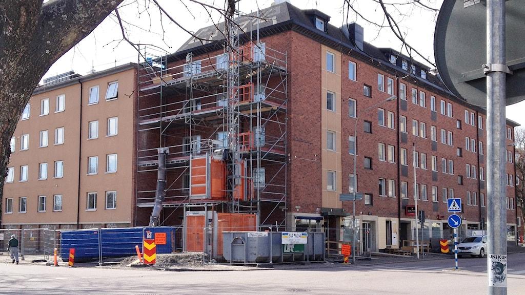 Byggnad i centrala Karlstad. Foto: Roy Malmborg/Sveriges Radio.