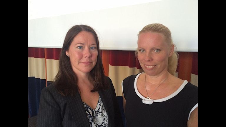 Ulrika Hammarin, citypolisens barngrupp i Stockholm och journalisten och författaren Caroline Engvall som bland annat skrivit boken Virtuell våldtäkt - om unga och sexbilder på nätet.