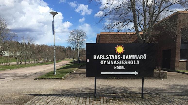 Frisörlinjen på Nobelgymnasiet i Karlstad halverar antalet platser till nästa läsår. Foto: Anton Eriksson/Sveriges Radio