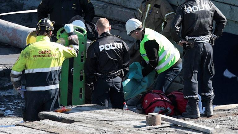 Poliser vid en brottsplats. Foto: Lise Åserud/TT.