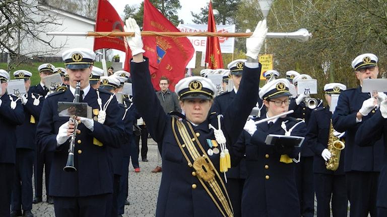 1 maj, demonstrationståg i Skoghall. Foto: Roy Malmborg/Sveriges Radio.