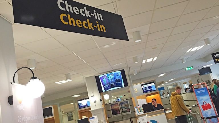 Inchcknngsskylt flygplatsen i Karlstad. Foto: Lars-Gunnar Olsson/Sveriges Radio.