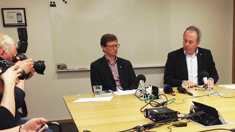 Lars Sätterberg, vd Karlstad Stadshus, och kommunalrådet Per-Samuel Nisser (M). Foto: Jenny Norberg/Sveriges Radio.
