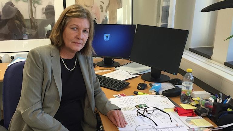 Åklagare Pia Hammar i sitt kontor. Foto: Amanda Moln/Sveriges radio.