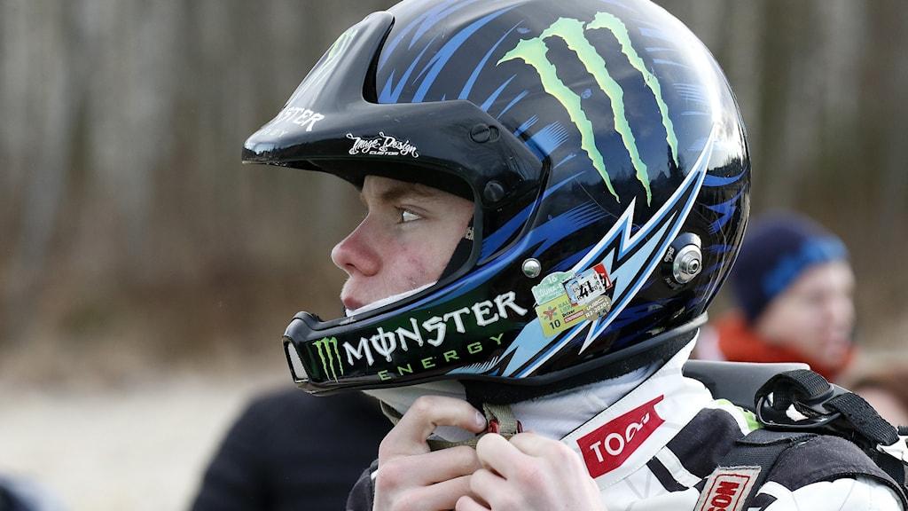 Rallyförare med hjälm. Foto: Micke Fransson/TT