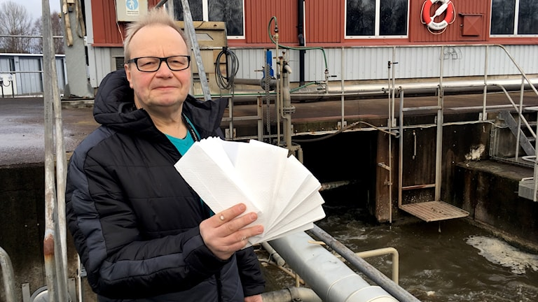 Jan Wilhelmsson, miljöingenjör på Karlstads kommun. Foto: Annika Ström/Sveriges Radio.
