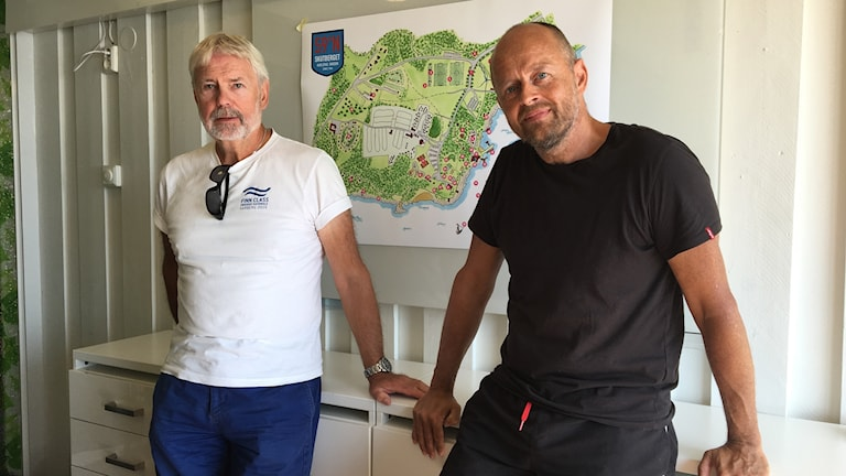 Peter Sörensen och medlemmen Torsten Jarnstam. Foto: Gustav Jacobson.