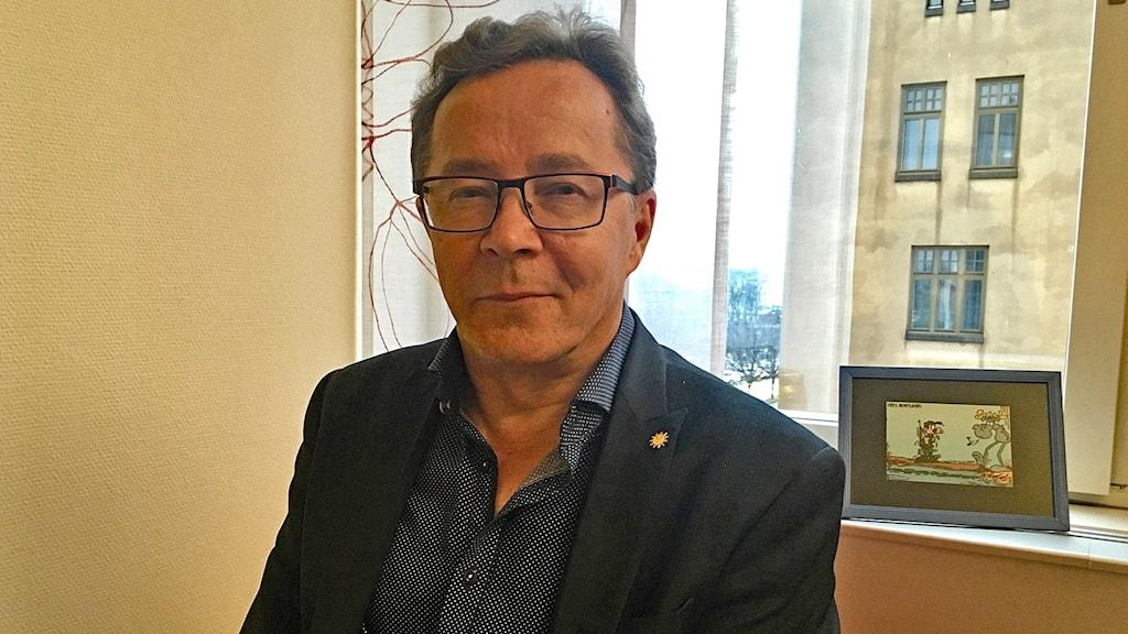 Tapani Savallampi, ekonomichef på vård och omsorgsförvaltningen i Karlstad kommun. Foto Alva Persson/Sveriges Radio