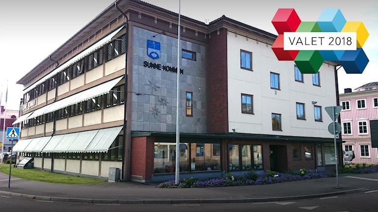 En bild på kommunhuset i Sunne. Foto: Sveriges Radio.