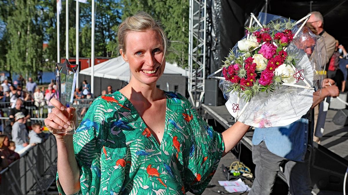 Bild på Clara Sjöberg när hon vann P4 Nästa 2018.