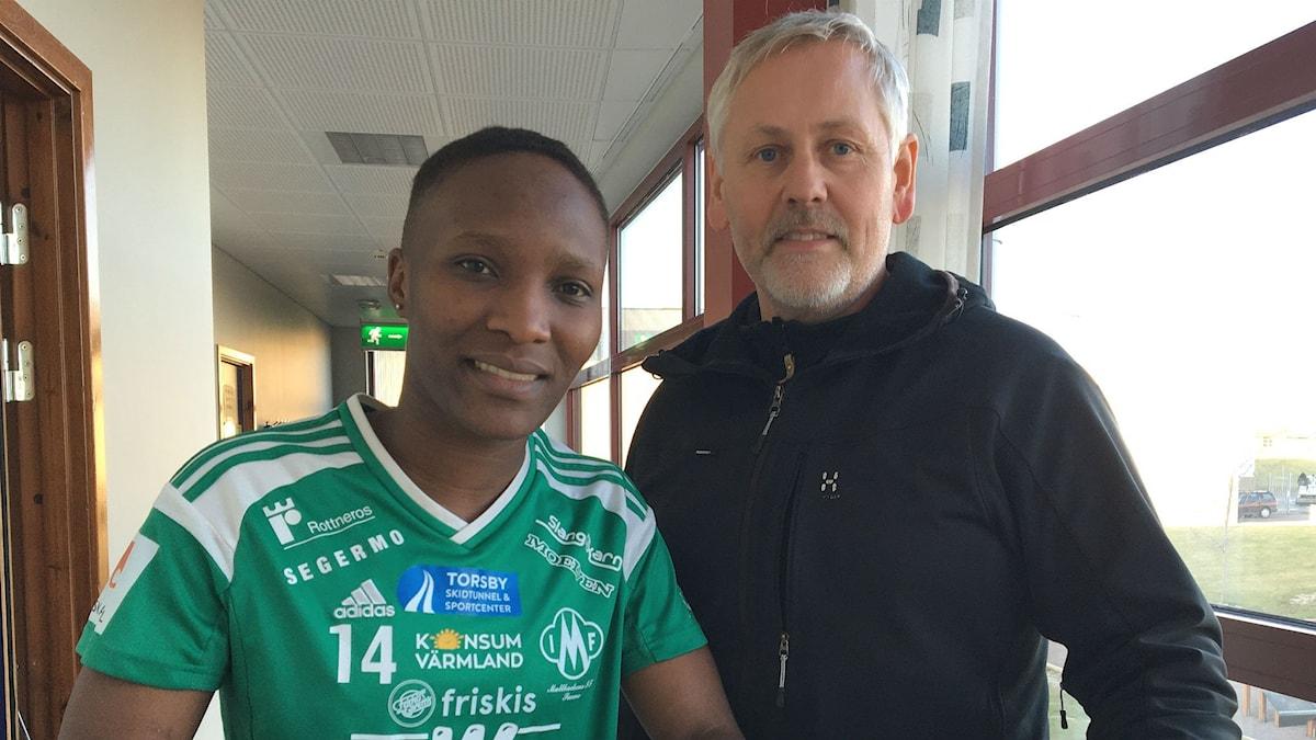 Ritah Kivumbi och Conny Johansson. Foto: Sara Johansson/P4 Värmland.
