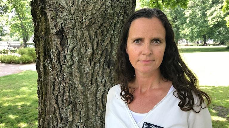 kvinna i park. Foto: Tomas Hedman/Sveriges Radio
