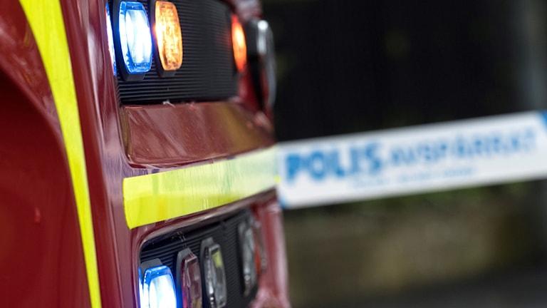 Brandbil vid en polisavspärrning. Johan Nilsson/TT.