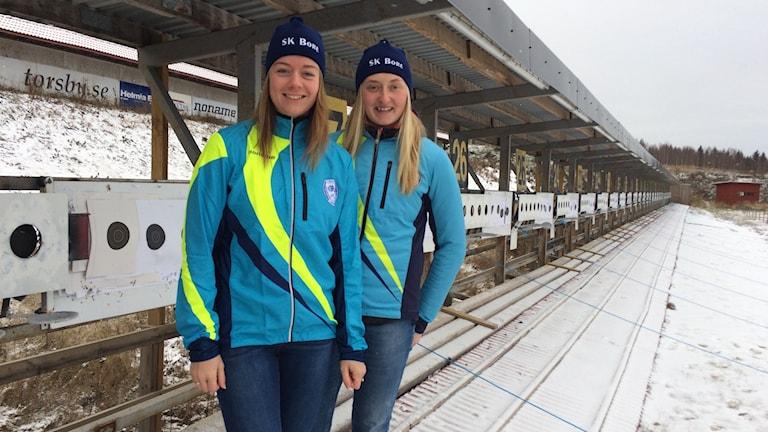 Chardine Sloof och Emma Nilsson. Skidskyttetjejer i SK Bore.
