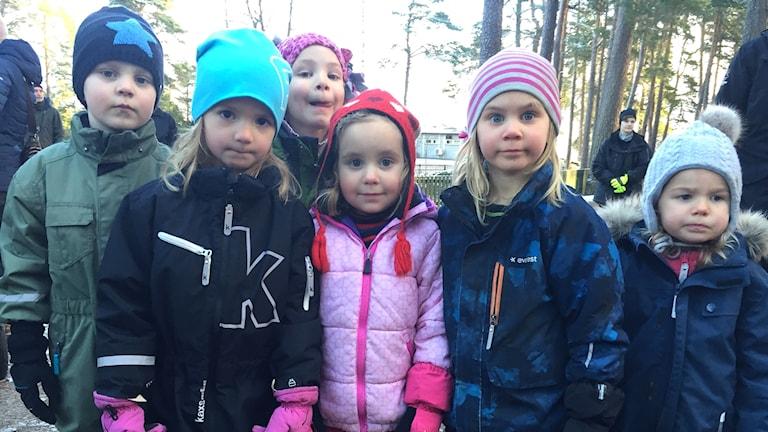 barn i friluftspark