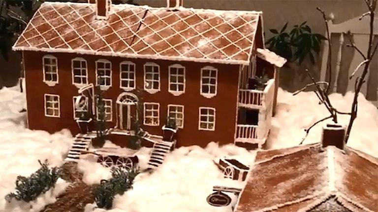 Ett fins pepparkakshus, en herrgård. Foto: Sara Johansson/Sveriges Radio.
