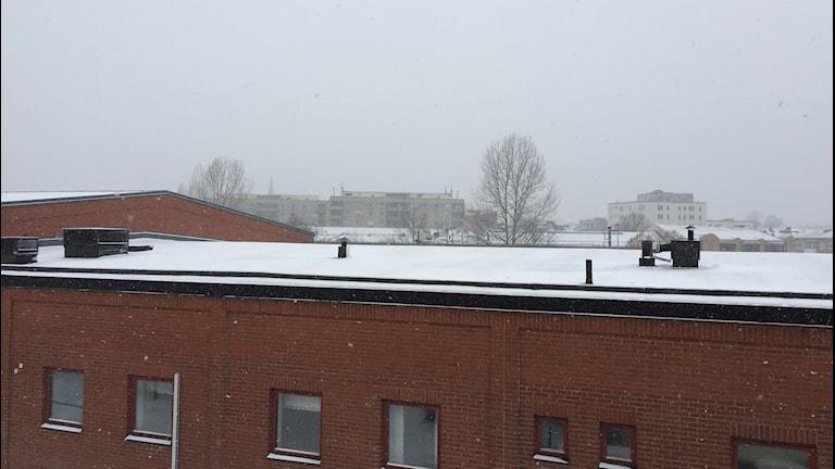 Snöfall över Karlstad.