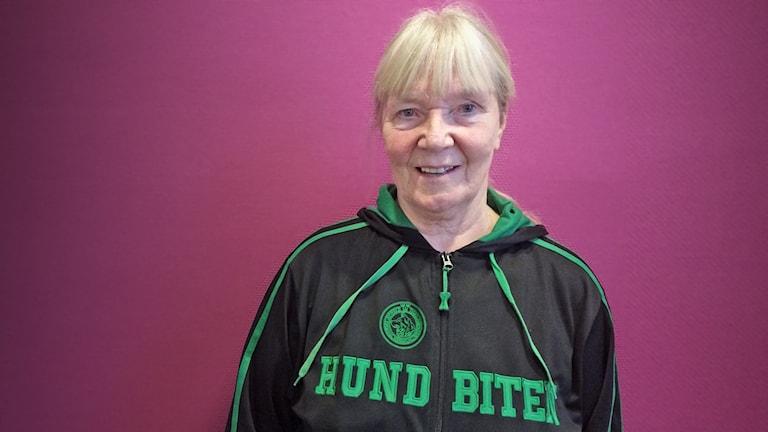 Gunilla Karlström är vice ordförande i Värmlands kennelklubb. Foto: Mari Stenström/Sveriges Radio.