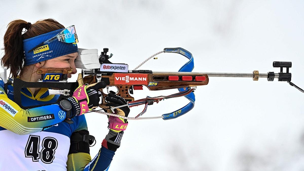skidskytt siktar. Foto: TOBIAS SCHWARZ/AFP