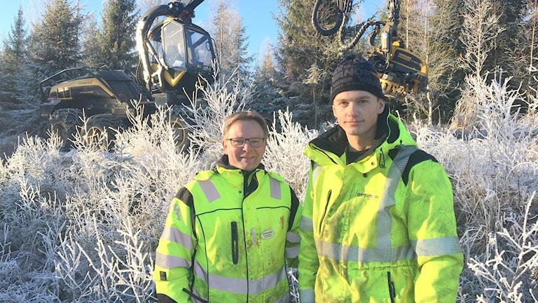Anders Eriksson, lärare på Södra viken, och Elis Gruvborg, elev Södra viken. Gustav Jacobson/Sveriges Radio