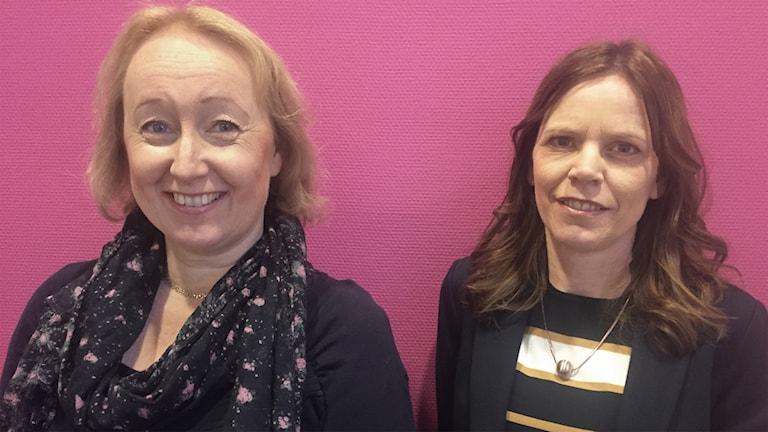 Pia Sundqvist, docent i engelska, och Erica Sandlund, docent i engelska. Foto: Sara Johansson/Sveriges Radio.