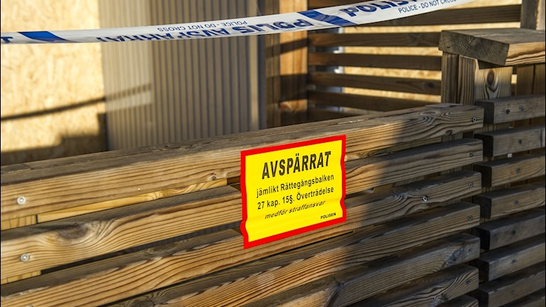 Lägenhetsbrand Karlstad. Polisens avspärrningsband.
