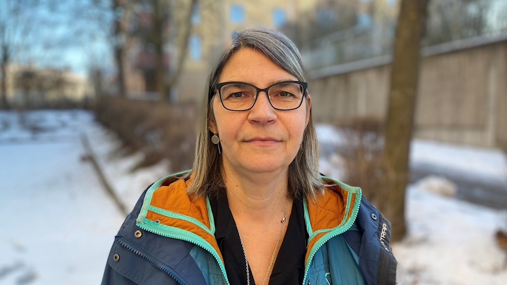 Anna Sundkvist Kräutner/regionansvarig suicide zero utomhus. Foto: Björn Söderholm/Sveriges Radio