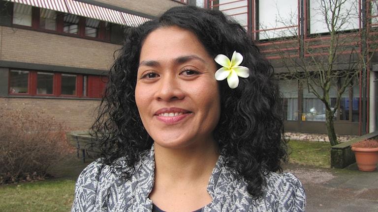 Lucy Larsson, uppvuxen på Samoa, jobbar på MSB i Karlstad. Foto: Magnus Hermansson/Sveriges Radio.