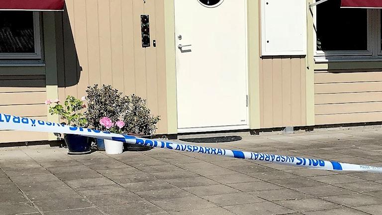 En vill där entrén är avspärrad. Foto: Annika Ström/Sveriges Radio.