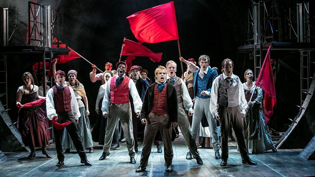 Scen ur Les Misérables. Foto: Mats Bäcker.