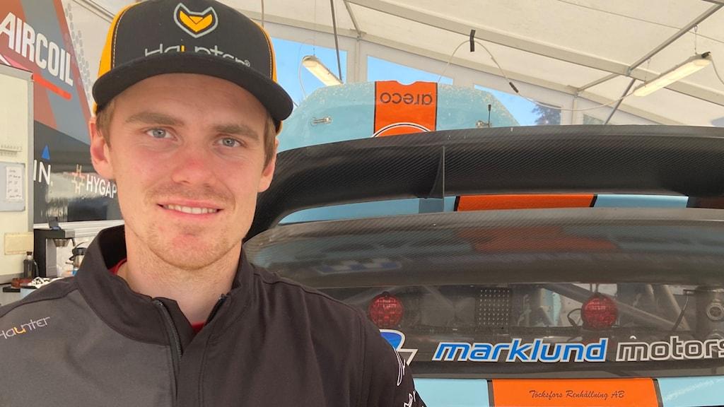 Thomas Bryntesson trea i EM-klassen efter första dagens tävlande i Höljes