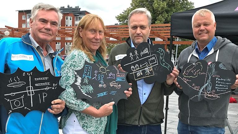 Mats Stråhl (M), Eva Frykenberger (C), Lars-Åke Berg (SD) och Anders Johansson (S). Foto: Annika Ström/Sveriges Radio.