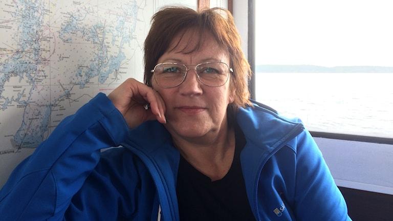 Elisabet Johansson, turistbyråansvarig Säffle, på en båt.