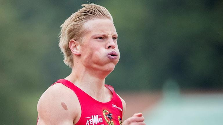 Henrik Larsson under ett sprinterlopp. Foto: Adam Ihse/TT.