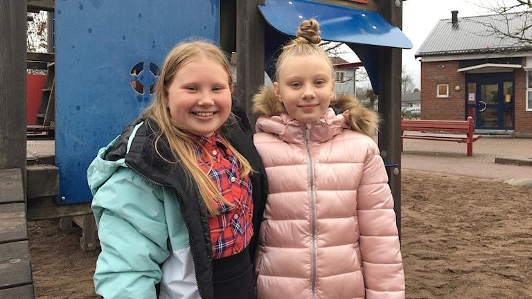 Livia Axelsson och Olivia Karlsson. Foto: Gustav Jacobson/Sveriges Radio.