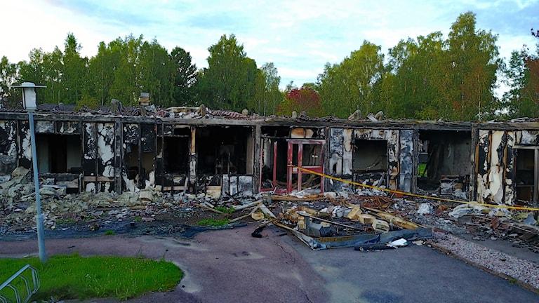 Det nedbrunna HVB-hemmet på Hammarö. Foto Örjan Bengtzing/Sveriges Radio.