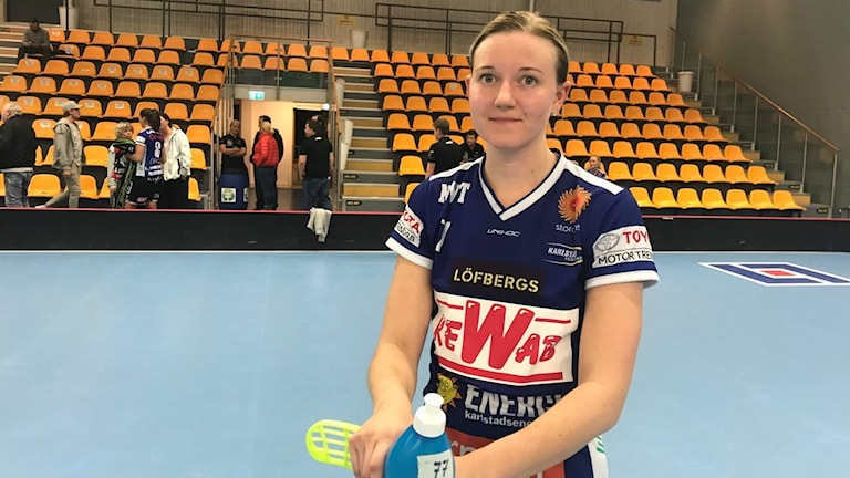 Adina Augustsson och Karlstad hade ingen rolig kväll mot Pixbo. Foto: Daniel Viklund/ Sveriges Radio.