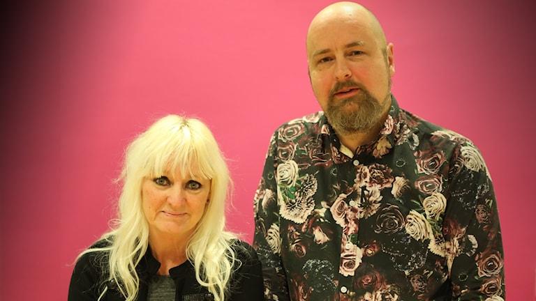 Erik Axelsson komiker Marianne Nilsson, projektledare för region värmlands kampanj En riktig man. Foto Örjan Bengtzing/Sveriges Radio.
