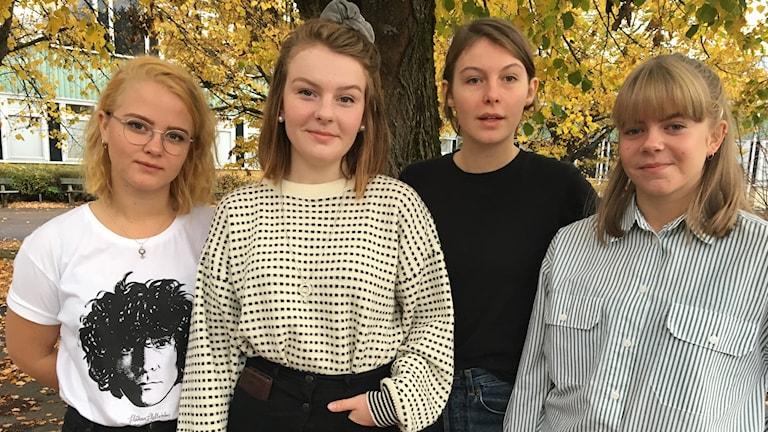 Elsa Linder, Agnes Thyselius ordförande i SÄG:s-elevråd, Julia Gullö vice ordf, Vilma Matsson student- och försäljningsansvarig.