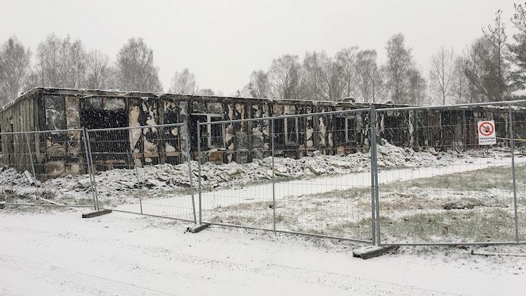 Brandhärjat HVB-hem på Hammarö. Foto: Jenny Norberg/Sveriges Radio.