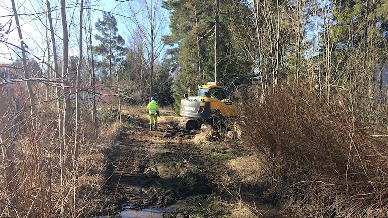 Nu jobbar kommunen för att laga vattenläckan.