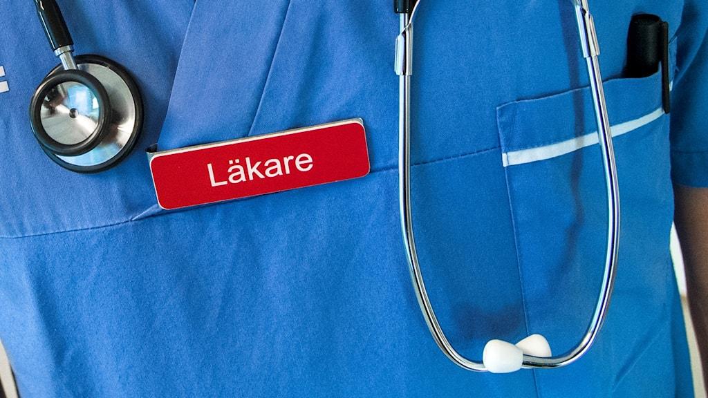 En läkare med ett stetoskop. Foto: Claudio Bresciani/TT.