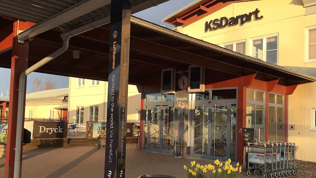 Entrén till Karlstad Airport. Foto: Lars-Gunnar Olsson/Sveriges Radio.